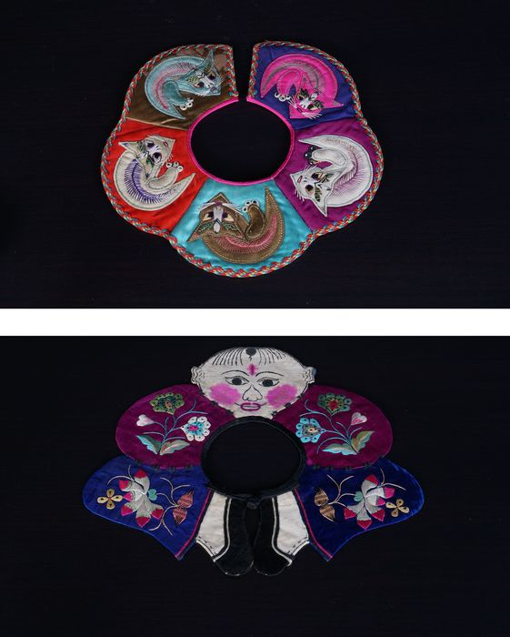 a set of exclusive antique Chinese silk bibs (1) - Cotton, Silk - China - Early 20th century