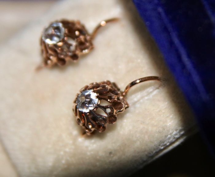 14 kt. Gold - Earrings - 0.68 ct Sapphire - handcrafted Germany