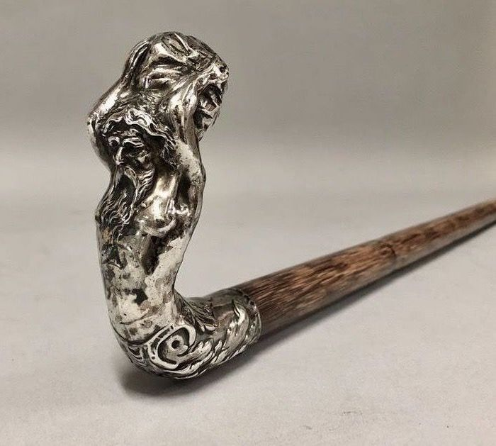 Rattan walking stick with silver Atlas which carries the World - Wood - 19th century