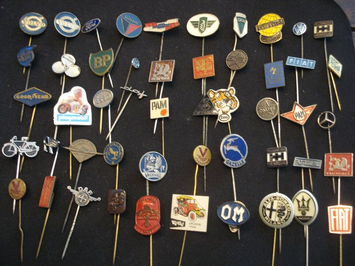 880 pins for automobilia and other transport - diverse merken - 1970-1980