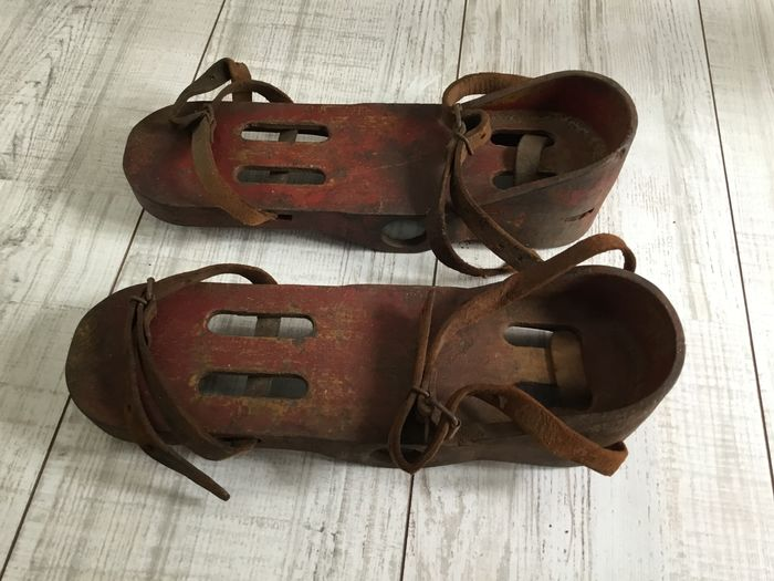deep sea diving shoes (2) - Iron (cast/wrought), Leather - First half 20th century