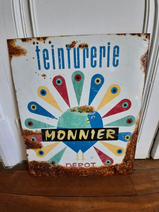 Monnier dyeing painted sheet - Metal