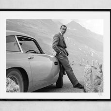 James Bond - 007 - Goldfinger - Sean Connery is 007 with Aston Martin DB5 - Fotografia, Framed display