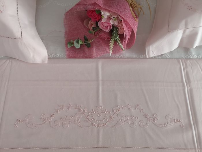 Bellavia cotton percale hand embroidery sheets. Pink color - Cotton - AFTER 2000