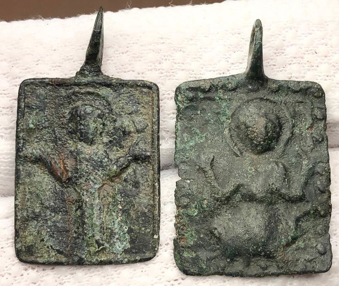 Early medieval Bronze Two Iconic Pendants with Virgin Mary Orans with arms wide open, nimbate-wearing Pallium & Maphorium.