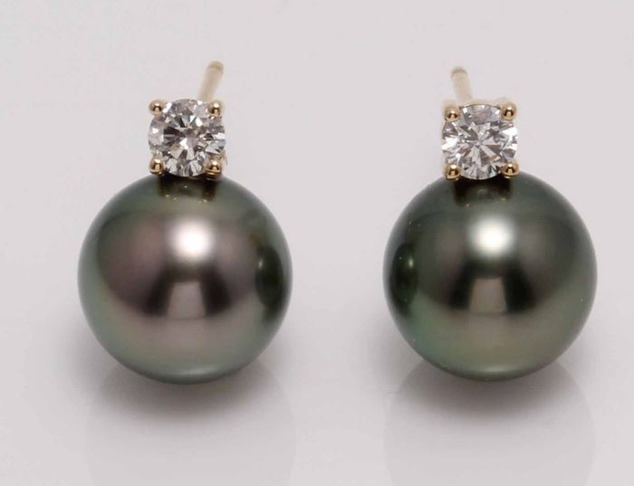 United Pearl - 14 kt. Yellow Gold - 9x10mm Round Peacock Tahitian Pearls - Earrings - 0.25 ct
