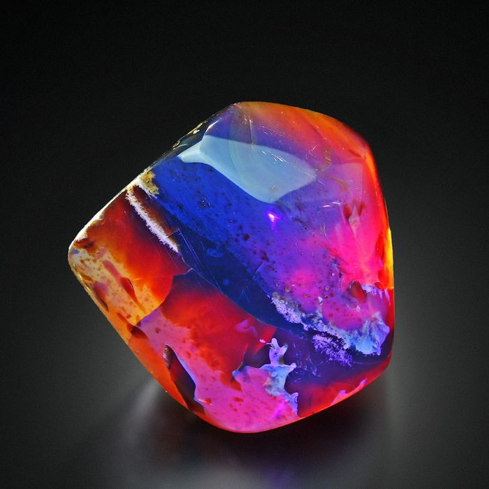 Big size! Genuine UV Active! Natural Polished BLUE AMBER Specimen - 5.5×5×4.1 cm - 56 g