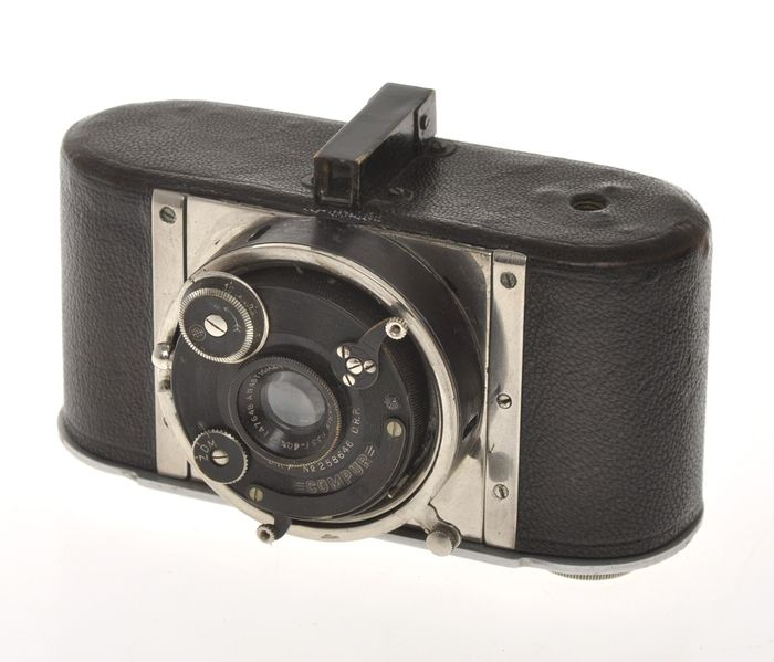 """Mollier & Demaison Le """"Cent Vues"""" with 40mm F:3.5 Hermagis, very rare 35mm half frame camera, c.1926"""
