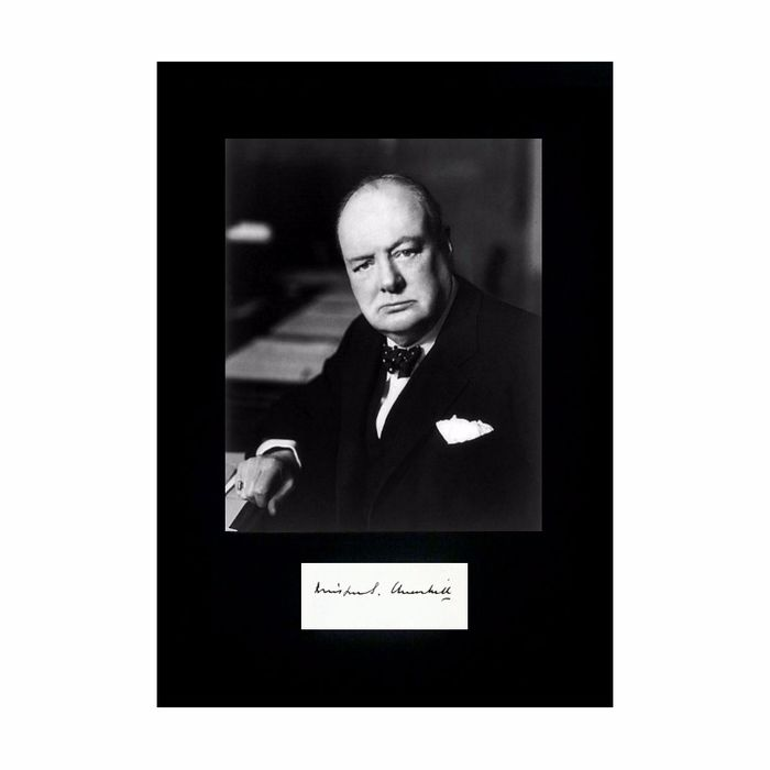 Winston Churchill - Ink Autograph with Photograph - 1948