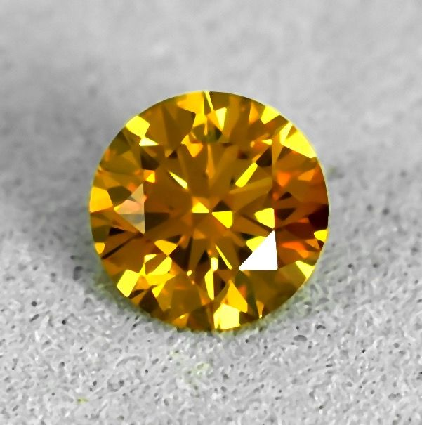 Diamante - 0.27 ct - Brillante - Natural Fancy Orange -Yellow - Si1 - NO RESERVE PRICE - EXC/EXC/EXC