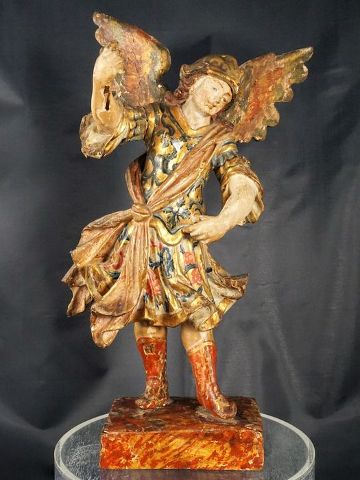 Sculpture, polychrome wooden statue of Archangel Michael - 35 cm - Wood - First half 18th century