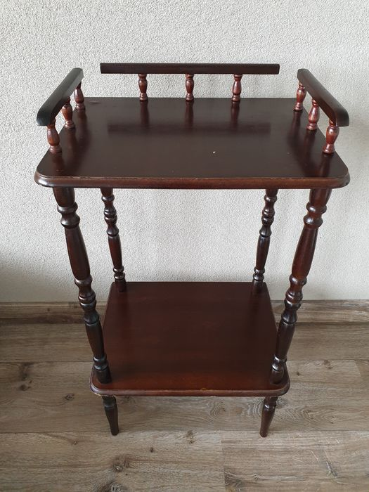 Classic Wooden Etagere - Wood