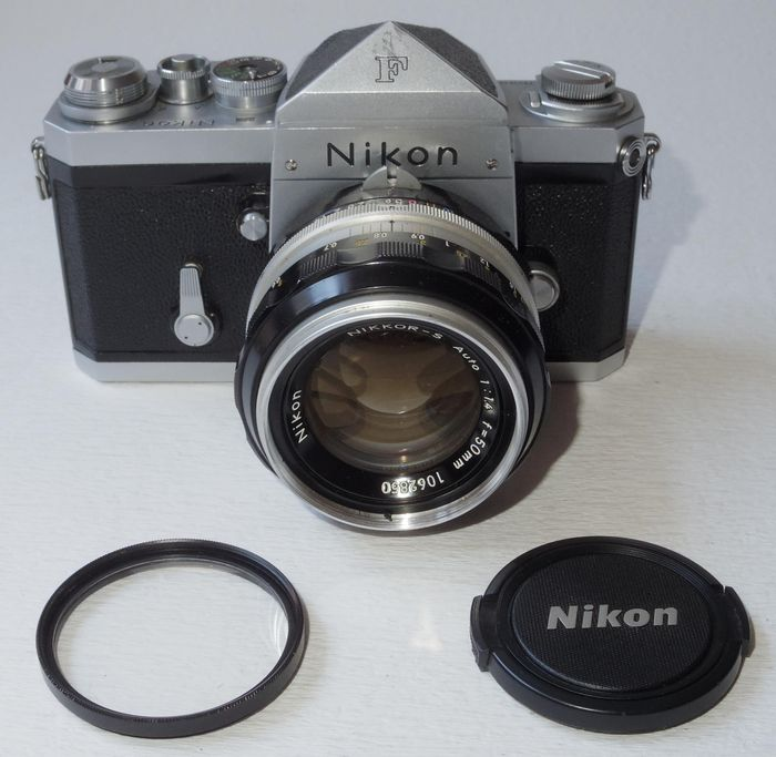 Nikon F - 1971 - eyelevel finder - Nikkor 1.4/50 - NO RESERVE