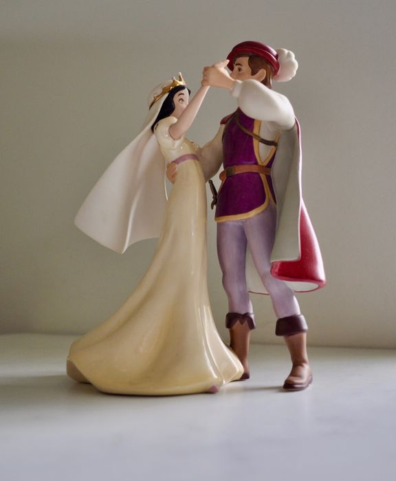 """Walt Disney Classic Collection - Beeldje - Snow White and Prince - """"A Dance Among The Stars"""""""