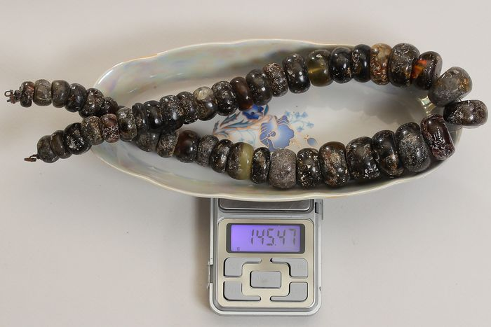 Antique 145 gr huge necklace from raw black, brown, yellow and milk color Bernstein - Halskette