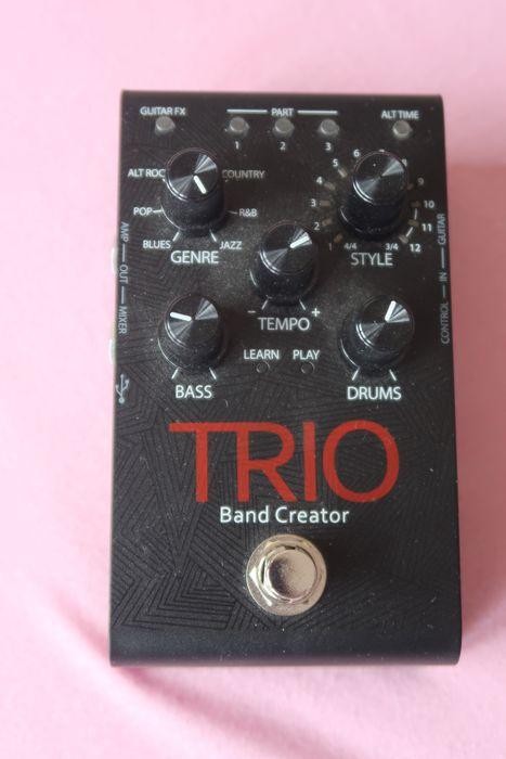 TRIO Bandcreator (Digitech harman) - TRIO Bandcreator - TRIO V-01 - China - 2017