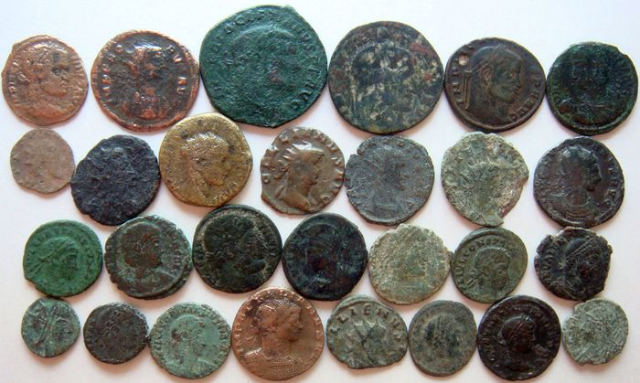 Römisches Reich - Lot of 28 x AE Roman Coins (3rd - 4th century AD), incl. Constantine dynasty, AE4 up to Antoniniani - Bronze, Kupfer