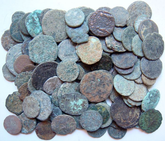 Römisches Reich - Lot of 100 AE x AE Roman Coins 3rd AD - 5th century AD - Bronze, Kupfer