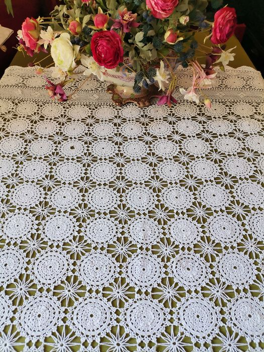 Crochet tablecloth without reserve price - 140 x 180 cm - Cotton - Late 20th century