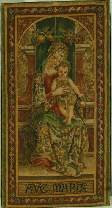"""Roman school tapestry from a painting by Carlo Crivelli (Venice, 1430? - Ascoli Piceno, 1495) - Textiles - """"Madonna and Child"""" XIXth Century"""