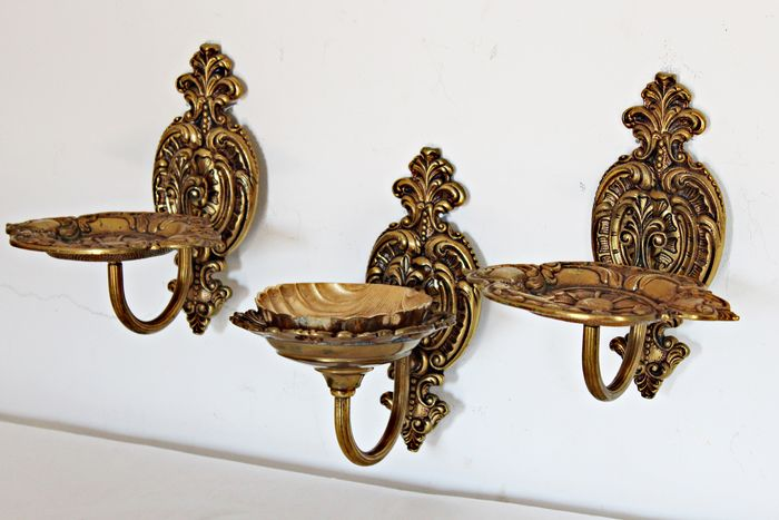 Bronze soap dishes. 60's (3) - Wrought bronze