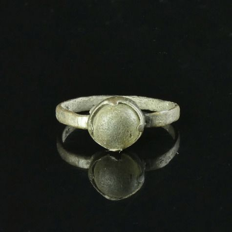 Medieval Silver Viking Era Ring with glass cabochon - (1)
