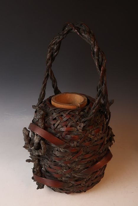 Basket (1) - Bamboo - Interesting bamboo flower ikebana basket - including bamboo vase - Japan - First half 20th century