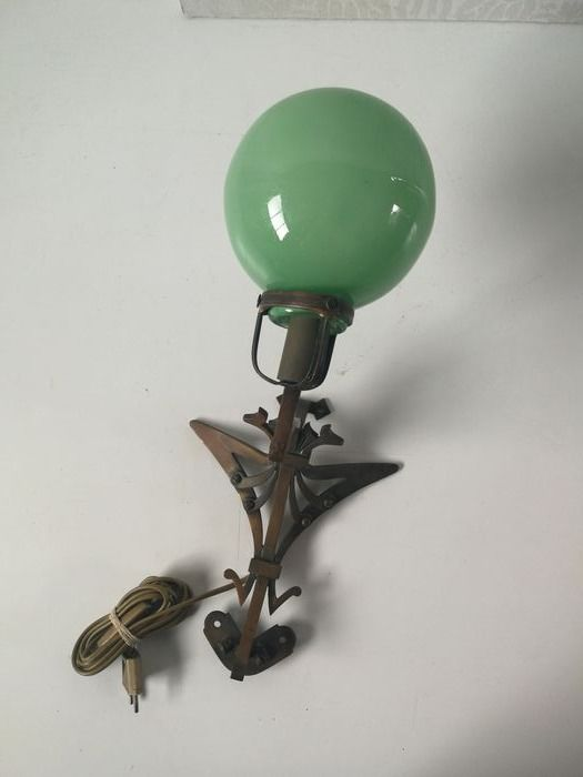 Art Deco - Copper / brass wall lamp - Amsterdam school style with green glass ball - Brass, Copper, Glass
