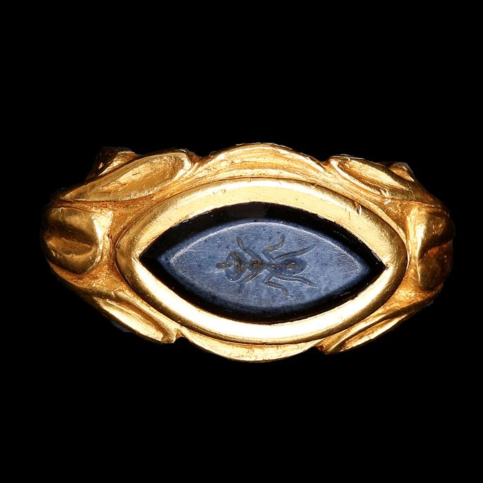 Ancient Roman Gold Ring with Onyx Intaglio of an Ant