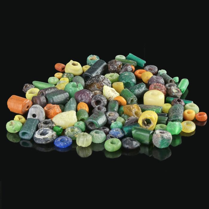 Ancient Roman Glass Collection of ± 100 multicolour glass beads
