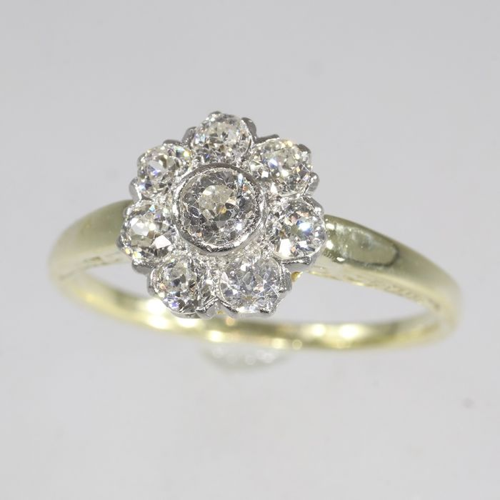 14 kt. Yellow gold - Ring, Vintage 1920's  -Art Deco Diamonds, Total diamond weight 0.85 crt - Natural (untreated), Free resizing*