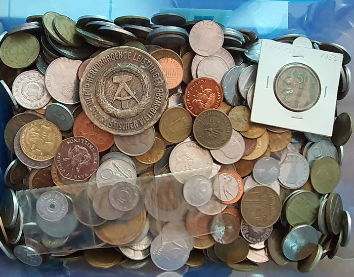 World - collection of 5 Kg coins, medals and tokens (various years and countries)