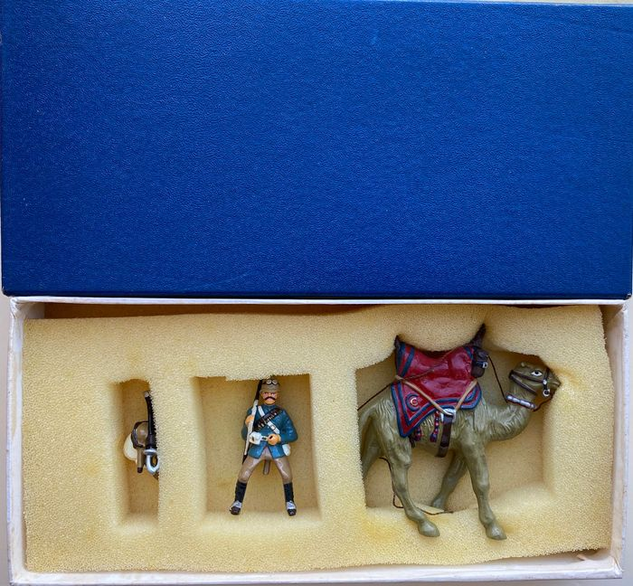 King & Country - Personnage King's Troop Camel-mounted Guardsman with slung rifle