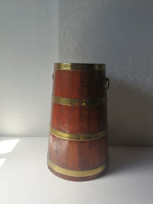 Antique; Umbrella stand / barrel - Oak wood tub with brass bands and copper (ring) ears - 19th - Copper, Wood- Oak
