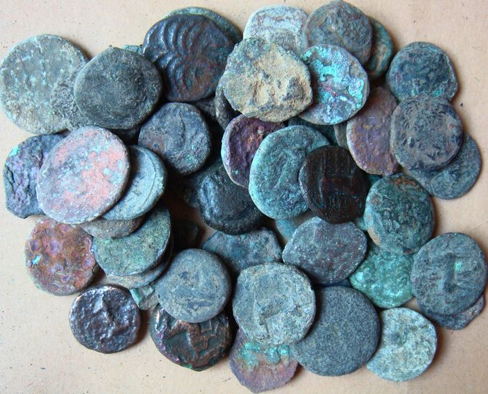 Hellas (Oldtidens) - ZEUGITANIA Lot of 52 x AE Carthage (4th-2nd Cent. BC) Tanit, horse, palm - Bronse