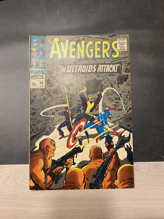 avengers 36-44-61-62-70-82. - The ultroids attack and others. - Softcover - Erstausgabe - (1966/1970)