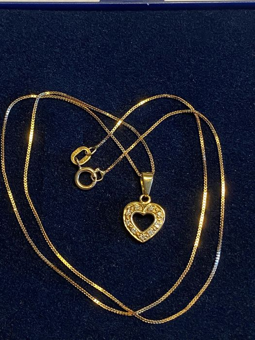 18 kt. Yellow gold - Necklace with pendant - 0.09 ct Diamond