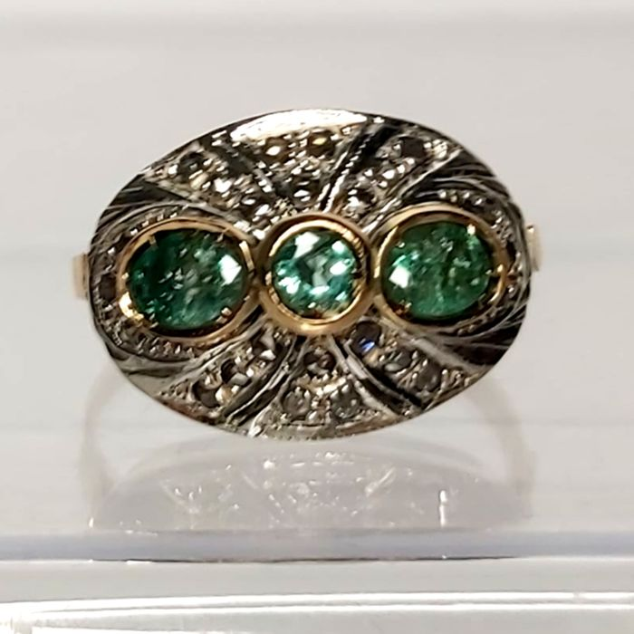 14 kt. Gold, Silver - Ring - 0,30 ct Emerald - Diamonds, Emeralds