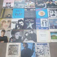 Beatles & Related - Multiple artists - 28 Singles - Multiple titles - Single 45 rpm - 1970/1987