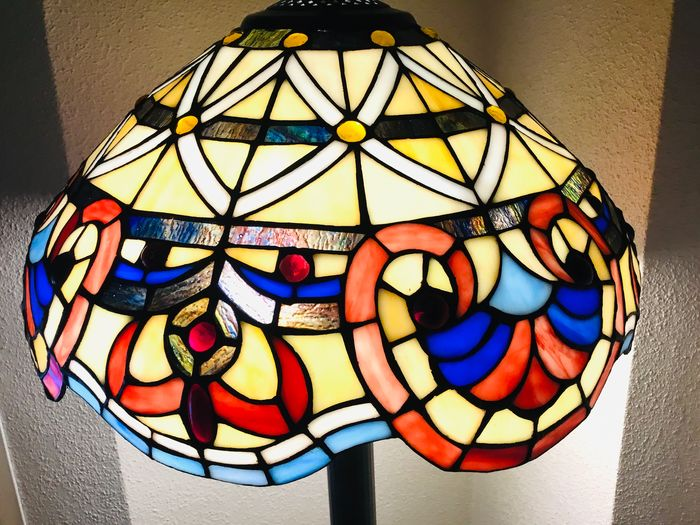 Tiffany - Floor lamp - Glass (stained glass)