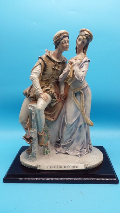 Ceramique Capodimonte - Romeo and Juliet 35cm Capodimonte signed B. Merli register Capodimonte 1982 Florence - Ceramic