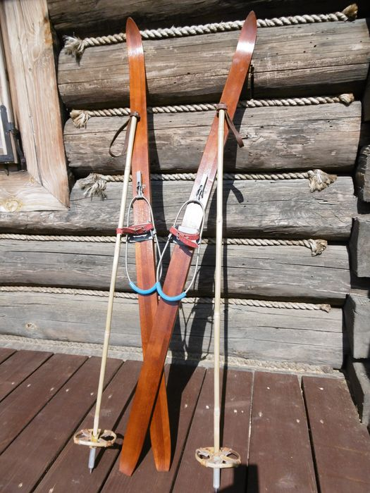 Nieznany - Nieznany - 130 cm children's skis - Vintage - Ski + 103 cm bamboo poles (1) - Contemporary - Alloy, Bamboo, Leather, Wood-Ash
