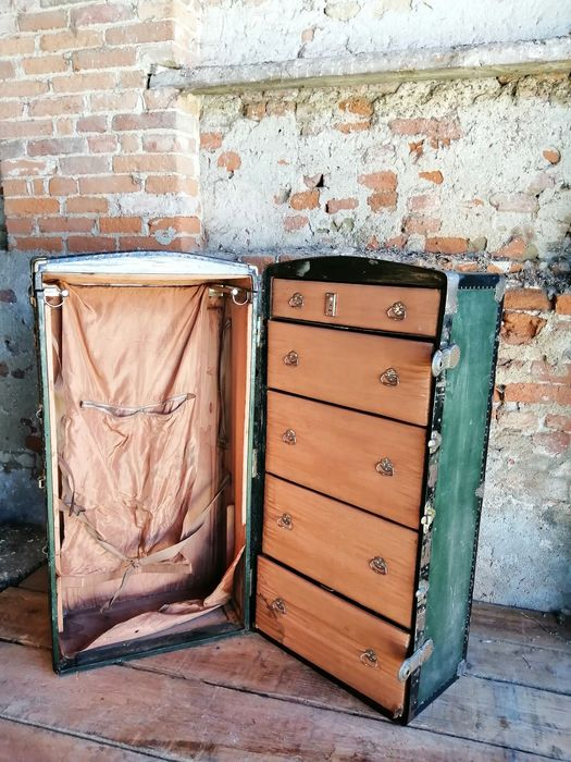 Grand Voyage wardrobe trunk from the early 1900s