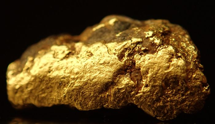 Natural Gold Nugget Alaska in a Special Shape and Size 3.440ct - 10.83×5.73×3.18 mm - 0.688 g