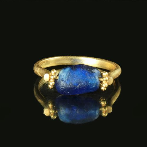 Ancient Roman Glass Ring with blue glass bead - (1)
