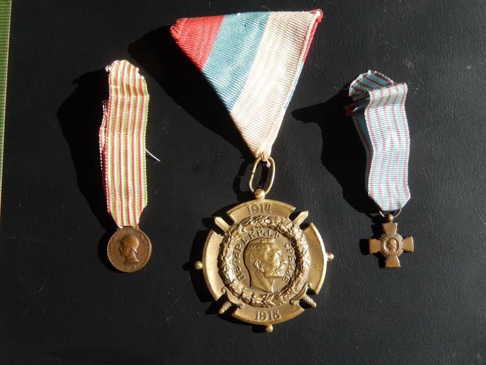 France - Lot 3 war medals 14 18 WW1 including 1 Serbian (W11J) Elite reward - Medal - 1918