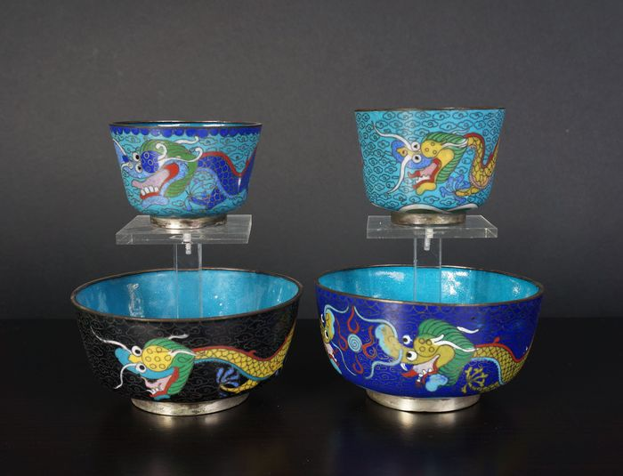 very fine lot cloisonne enamel cups and bowls (4) - Cloisonne enamel - China - Early 20th century