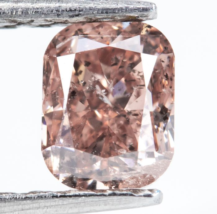 Diamond - 0.45 ct - Natural Fancy Orangy Pink - I1  *NO RESERVE*