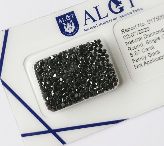 436 pcs Diamanten - 5.87 ct - Rund brillant - Fancy black - N/A