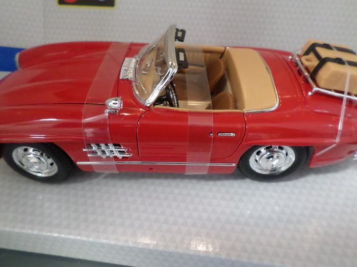Bburago  touring - 1:18 - Mercedes - Benz 300 SL Touring /// 1957